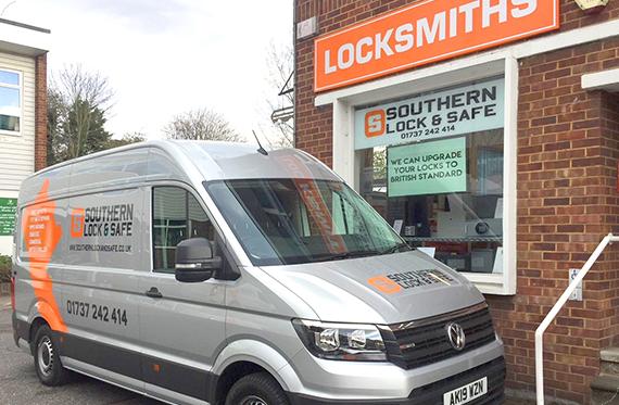 locksmith-Redhill-1